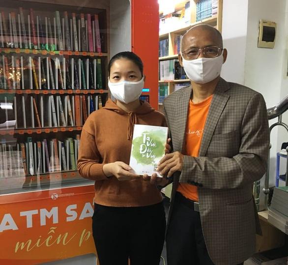 ATM sách đầu tiên có mặt tại Hà Nội - Ảnh 1.