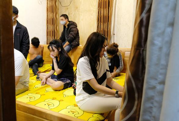 Nhóm thanh niên thuê biệt thự tổ chức tiệc ma túy mừng sinh nhật - Ảnh 1.