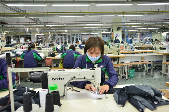 Gần 5 triệu lao động bị mất việc, giãn việc, thất nghiệp tăng nhanh - Ảnh 2.