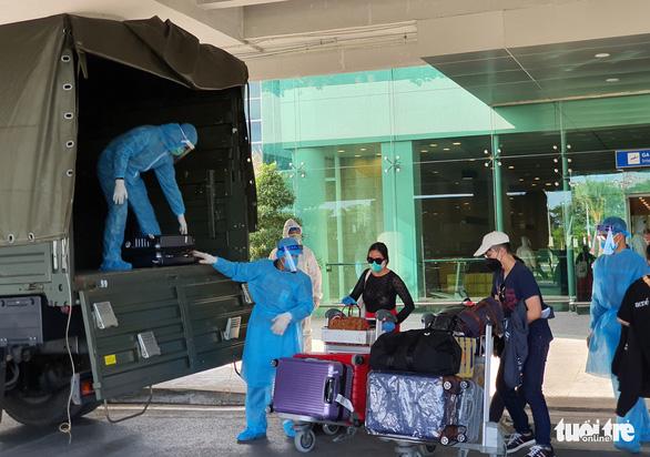 Đón 215 công dân từ Singapore về, cách ly tại Cần Thơ - Ảnh 5.
