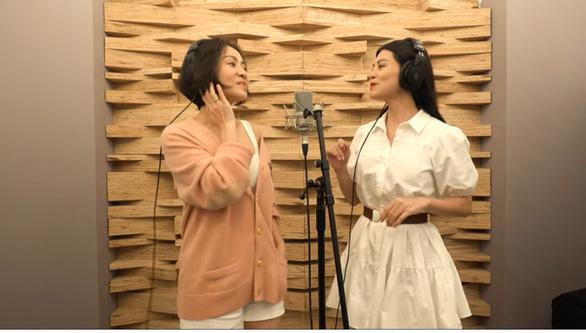 24 nghệ sĩ hát Hòa nhịp con tim, khán giả hát online với Ngọt - Ảnh 2.