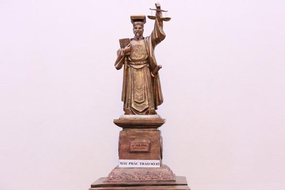 Dựng tượng vua làm biểu tượng công lý: Có cần thiết? - Ảnh 1.