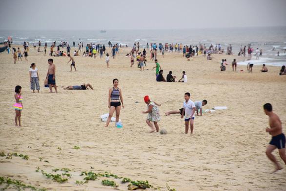 Quảng Nam cho một số bãi biển hoạt động lại, Mỹ Sơn đón khách từ 3-9 - Ảnh 1.