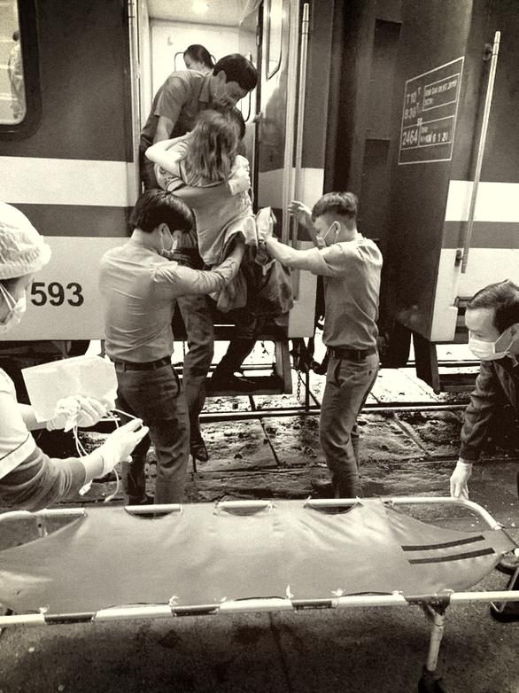 Một cháu bé chào đời trên chuyến tàu Thống Nhất - Ảnh 1.