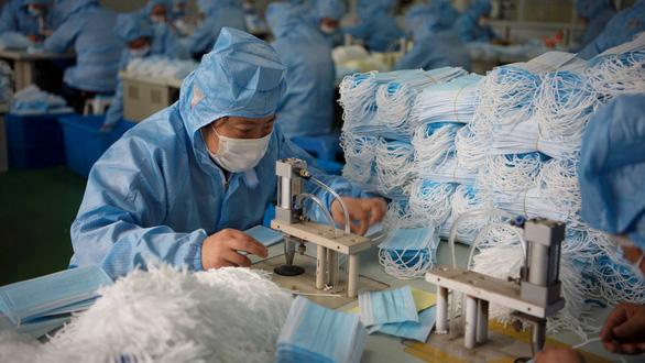 Gần 90 triệu khẩu trang Trung Quốc dỏm bị tịch thu - Ảnh 1.
