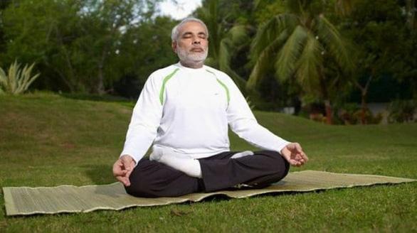 Thủ tướng Ấn kêu dân ở nhà tập Yoga, uống nước nóng chống virus corona - Ảnh 1.