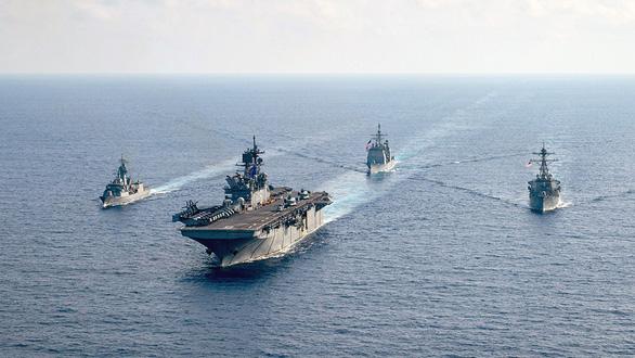 Lợi dụng dịch bệnh để quấy rối trên Biển Đông: Nước cờ sai của Trung Quốc - Ảnh 1.