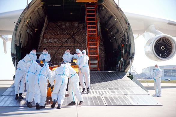 EU phủ nhận sửa báo cáo về dịch COVID-19 vì Trung Quốc - Ảnh 1.