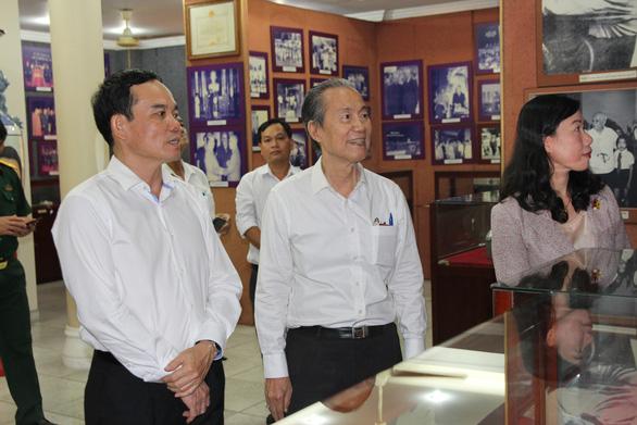 Lãnh đạo TP.HCM thăm cá nhân có thành tích tiêu biểu trong chiến dịch Hồ Chí Minh - Ảnh 2.