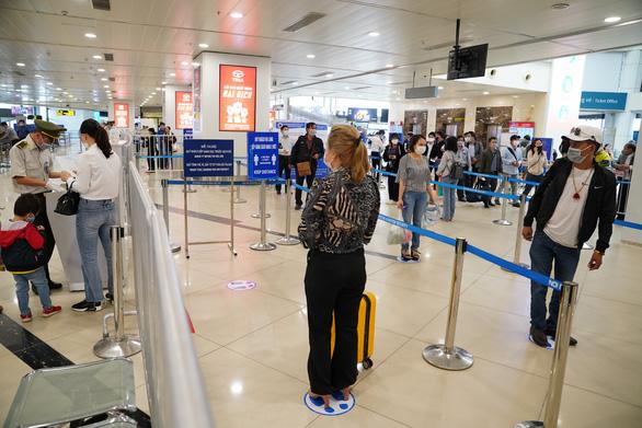 Kiến nghị tăng chuyến bay phục vụ dịp nghỉ lễ 30-4 và 1-5 - Ảnh 1.
