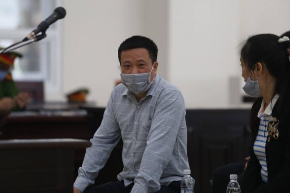 Cựu chủ tịch OceanBank Hà Văn Thắm tiếp tục hầu tòa - Ảnh 1.