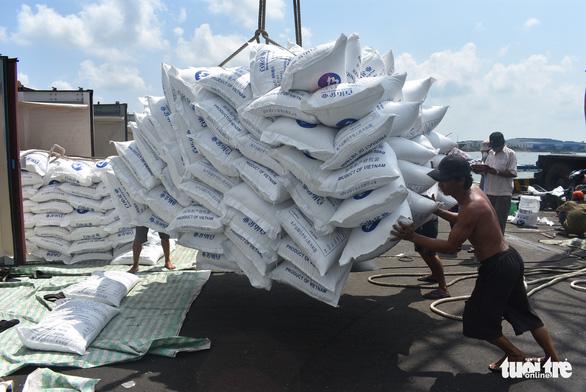 14 tàu chở 54.000 tấn gạo đã rời cảng Mỹ Thới đi các nước - Ảnh 3.