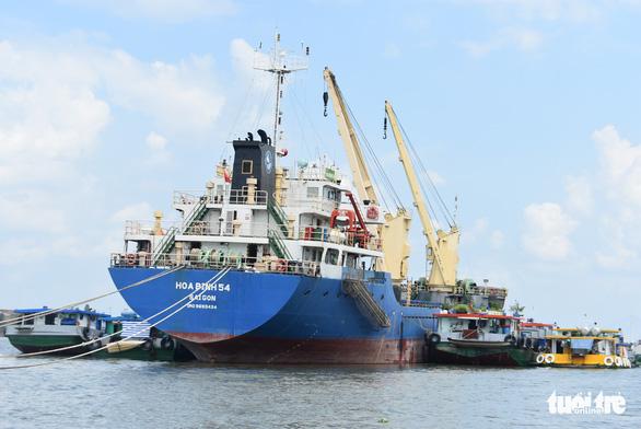 14 tàu chở 54.000 tấn gạo đã rời cảng Mỹ Thới đi các nước - Ảnh 2.