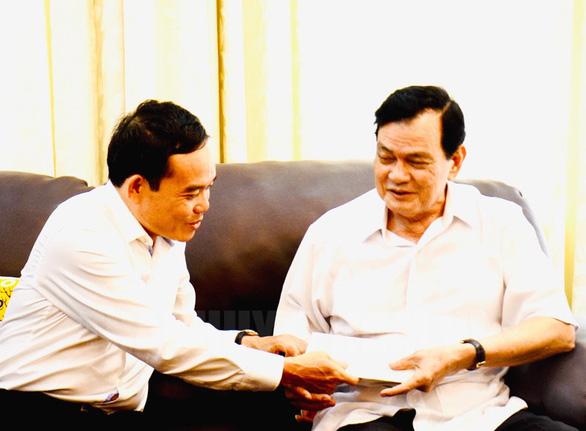 Lãnh đạo TP.HCM thăm cá nhân có thành tích tiêu biểu trong chiến dịch Hồ Chí Minh - Ảnh 3.