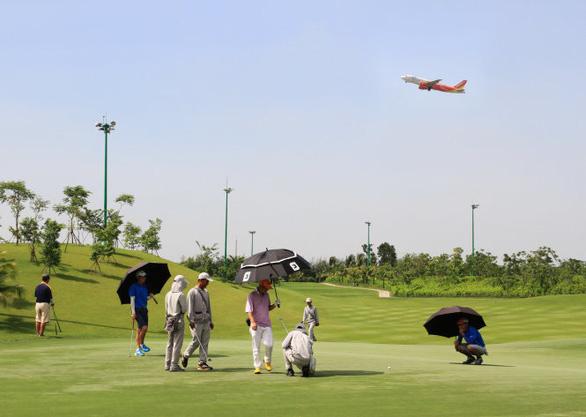 Không được xây sân golf trên đất quốc phòng, an ninh - Ảnh 1.