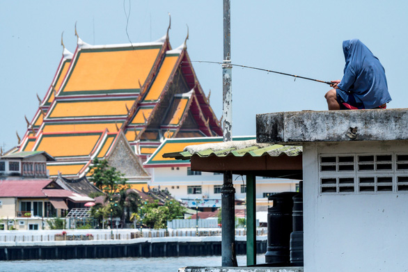 Dân Bangkok thở không khí sạch hơn nhờ ở nhà vì COVID-19 - Ảnh 1.