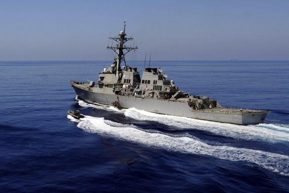 Trung Quốc cảnh báo một tàu Mỹ tuần tra ở Biển Đông - Ảnh 1.