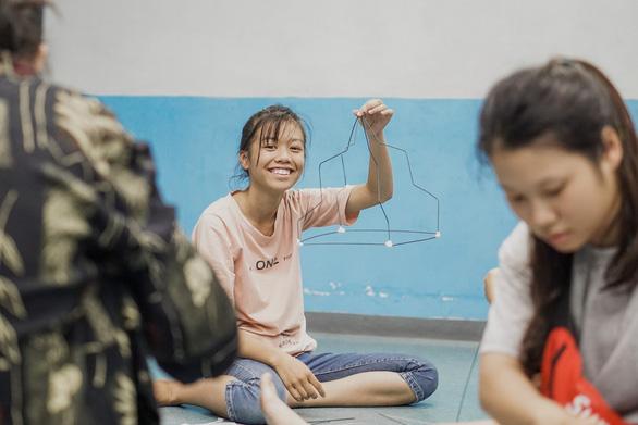 Liên đoàn Bóng đá châu Âu giúp đỡ trẻ em đường phố tại Việt Nam - Ảnh 4.