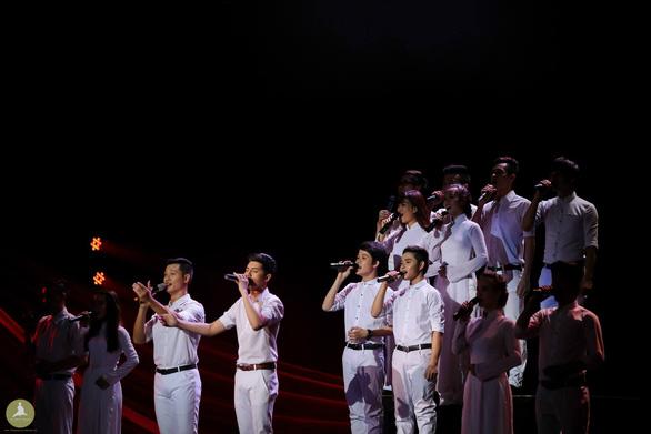 Liveshow Bài ca không quên của Đức Tuấn kỷ niệm 45 năm thống nhất đất nước - Ảnh 2.
