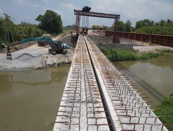Xây chiếc cầu cuối cùng hình thành tuyến cao tốc thứ 2 về miền Tây - Ảnh 1.