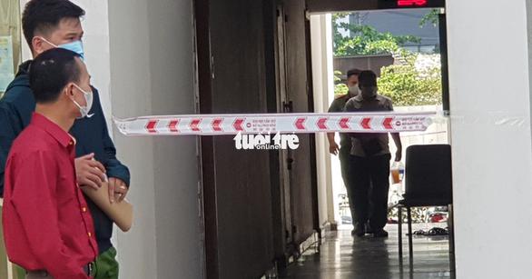 Công an TP.HCM kiểm tra lại hiện trường TS Bùi Quang Tín tử vong - Ảnh 1.