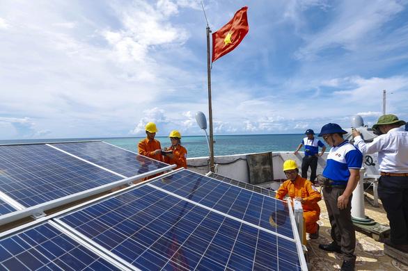 45 năm EVNSPC - hành trình điện khí hóa nông thôn và nâng chất dịch vụ - Ảnh 3.