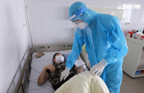 Việt Nam nghiên cứu dùng huyết tương bệnh nhân đã khỏi để chữa COVID-19 - Ảnh 1.