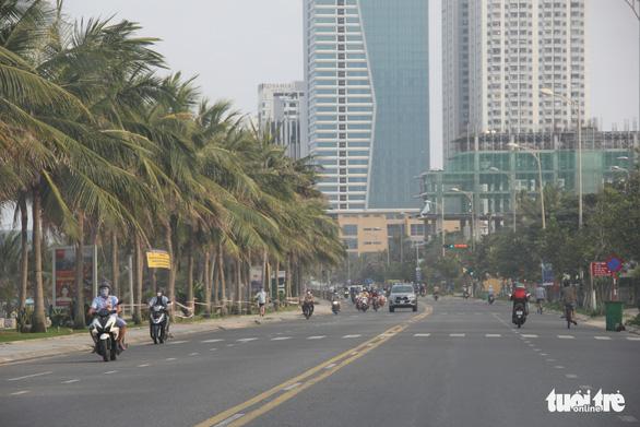 Khu du lịch, khách sạn tại Đà Nẵng đều giảm giá khủng để kéo khách - Ảnh 2.