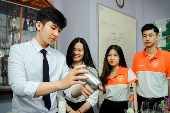 Trường Trung Cấp Việt Giao: Nơi hun đúc đam mê - Ảnh 3.