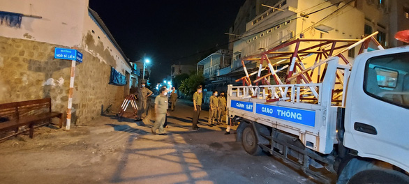 Bình Thuận dỡ bỏ khu cách ly dân cư tại Phan Thiết - Ảnh 1.