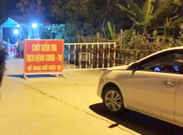 Quảng Nam lập chốt kiểm soát không phải ngăn sông cấm chợ - Ảnh 1.