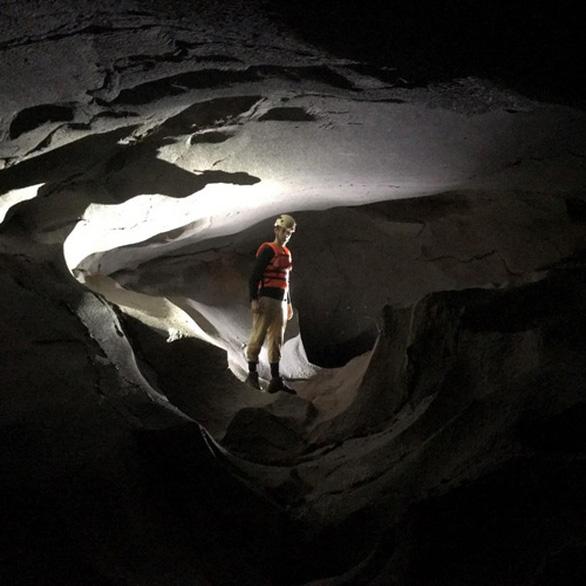 Phát hiện 12 hang động chưa từng có dấu chân người tại Quảng Bình - Ảnh 1.