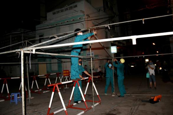 Bình Thuận dỡ bỏ khu cách ly dân cư tại Phan Thiết - Ảnh 3.