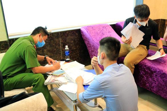 Cơ sở massage kích dục ở Đồng Nai vẫn hoạt động bất chấp lệnh cấm - Ảnh 1.
