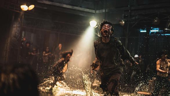 Train to Busan 2: Sẽ rượt đuổi điên rồ như Mad Max? - Ảnh 3.