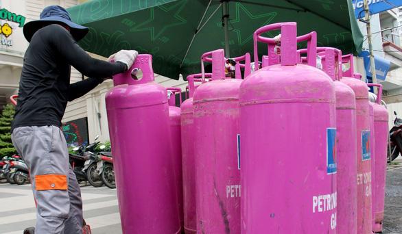 Gíá gas tăng 34.000 đồng/bình 12kg sau 3 tháng giảm - Ảnh 1.