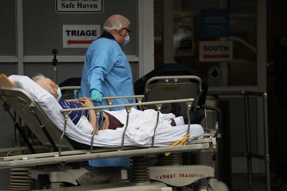 New York 24 giờ qua: cứ 2 phút rưỡi có 1 người chết vì COVID-19 - Ảnh 2.