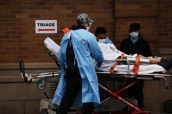 New York 24 giờ qua: cứ 2 phút rưỡi có 1 người chết vì COVID-19 - Ảnh 3.