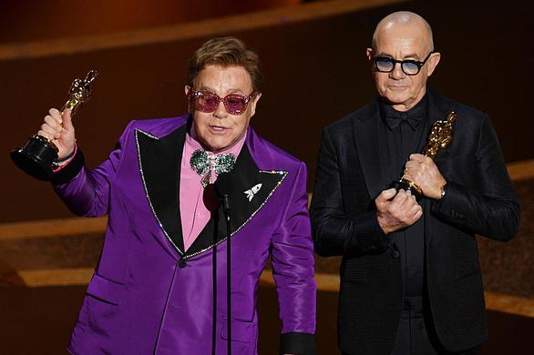 Giữa mùa corona, danh ca Elton John ủng hộ 1 triệu USD chống… HIV/AIDS - Ảnh 1.