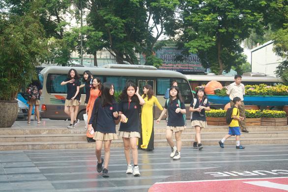 Hà Nội: 40.000 giáo viên, nhân viên trường ngoài công lập bị cắt giảm lương - Ảnh 1.