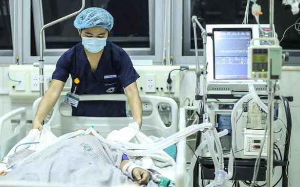 Máy thở cần thiết ra sao với bệnh nhân COVID-19? - Ảnh 1.