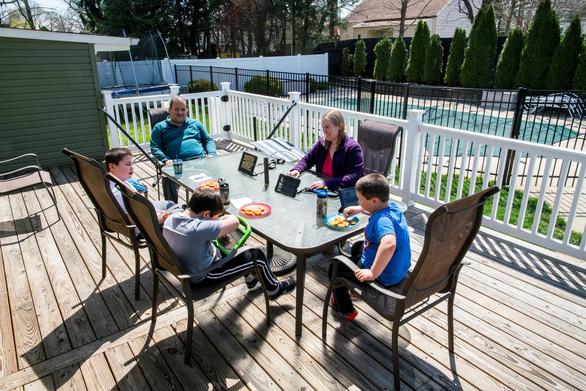 Cách ly xã hội - thời gian tuyệt vời dành cho gia đình - Ảnh 1.
