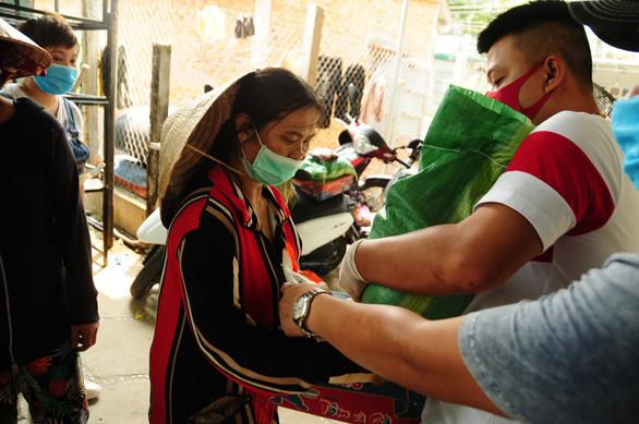 Quảng Nam vận động, dùng nguồn xã hội hóa giúp tiền ăn cho người cách ly - Ảnh 2.