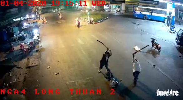 Bắt hai nghi phạm chém người dã man tại cây xăng - Ảnh 2.