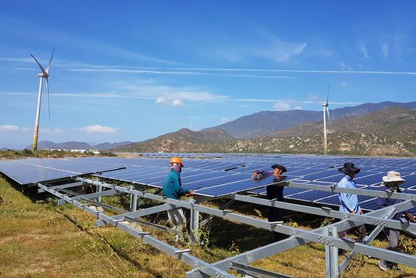 Chính phủ chốt giá mua điện mặt trời trên mái nhà 1.943 đồng/kWh - Ảnh 1.