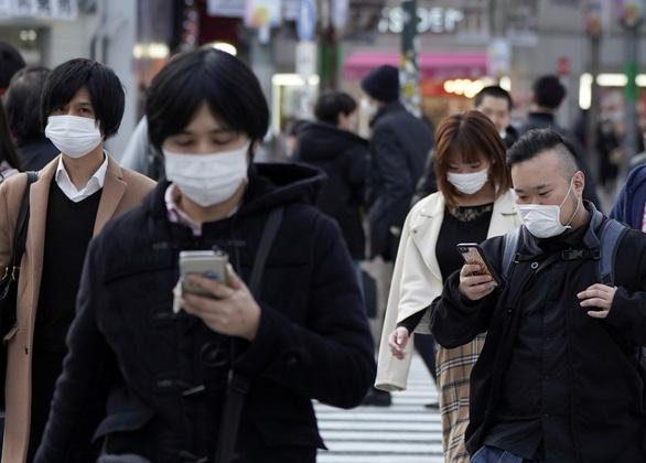Chạy trốn khỏi Tokyo trước khi tình trạng khẩn cấp có hiệu lực - Ảnh 1.