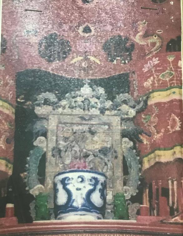 Truy tìm bức tranh cổ nặng 50kg bị đánh cắp khỏi đình thần Linh Tây, Thủ Đức - Ảnh 2.