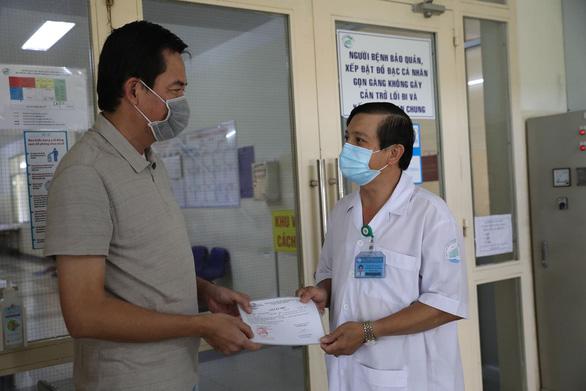 Bệnh nhân thứ 150 bị tổn thương phổi nghiêm trọng đã được xuất viện - Ảnh 1.