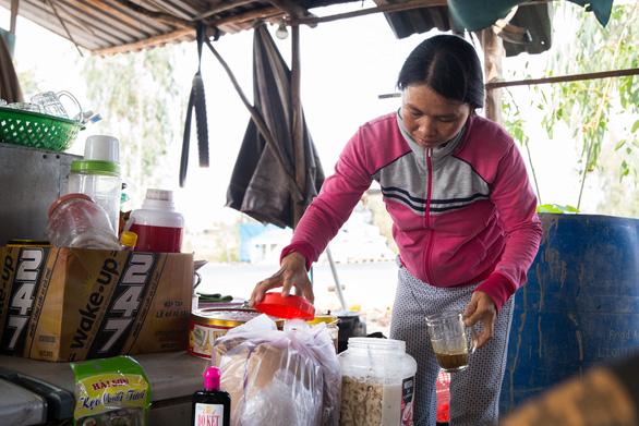 Ngôi làng bền vững - Kỳ 1: Những phận đời khốn khó ở Hưng Thạnh - Ảnh 8.