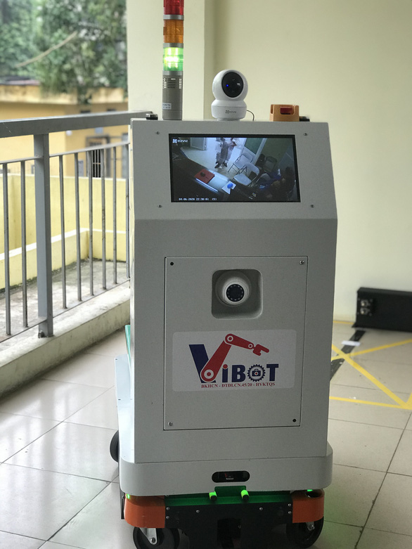 Việt Nam chế tạo thành công robot hỗ trợ bác sĩ chăm sóc bệnh nhân cách ly - Ảnh 3.